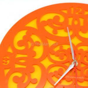 שעון כתום תקריב