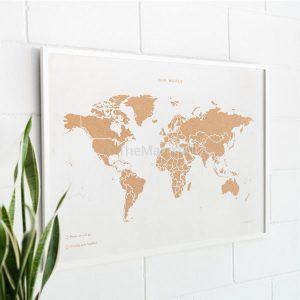 מפת עולם עם מסגרת לבן לבן